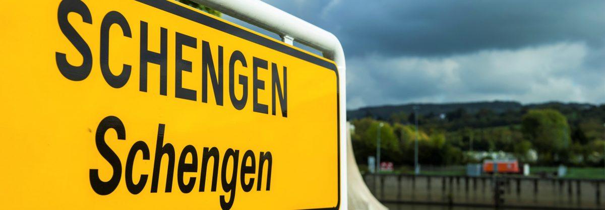 Entering Schengen, Luxembourg, 14 October 2014 (EPA/NICOLAS BOUVY)