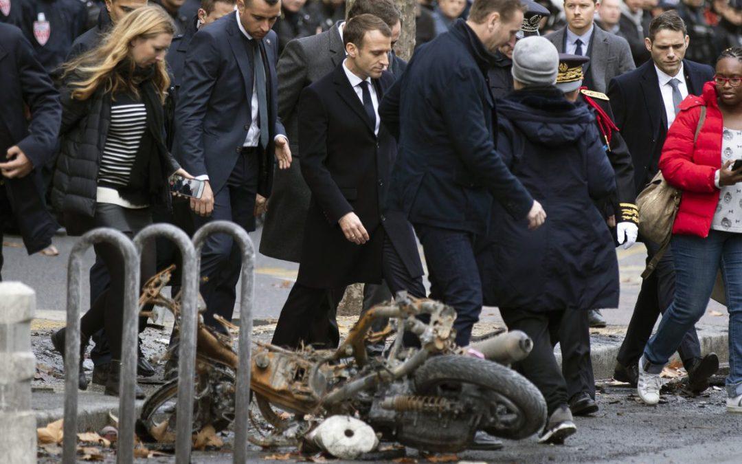 "France's ""gilets jaunes"" send shivers through Europe"