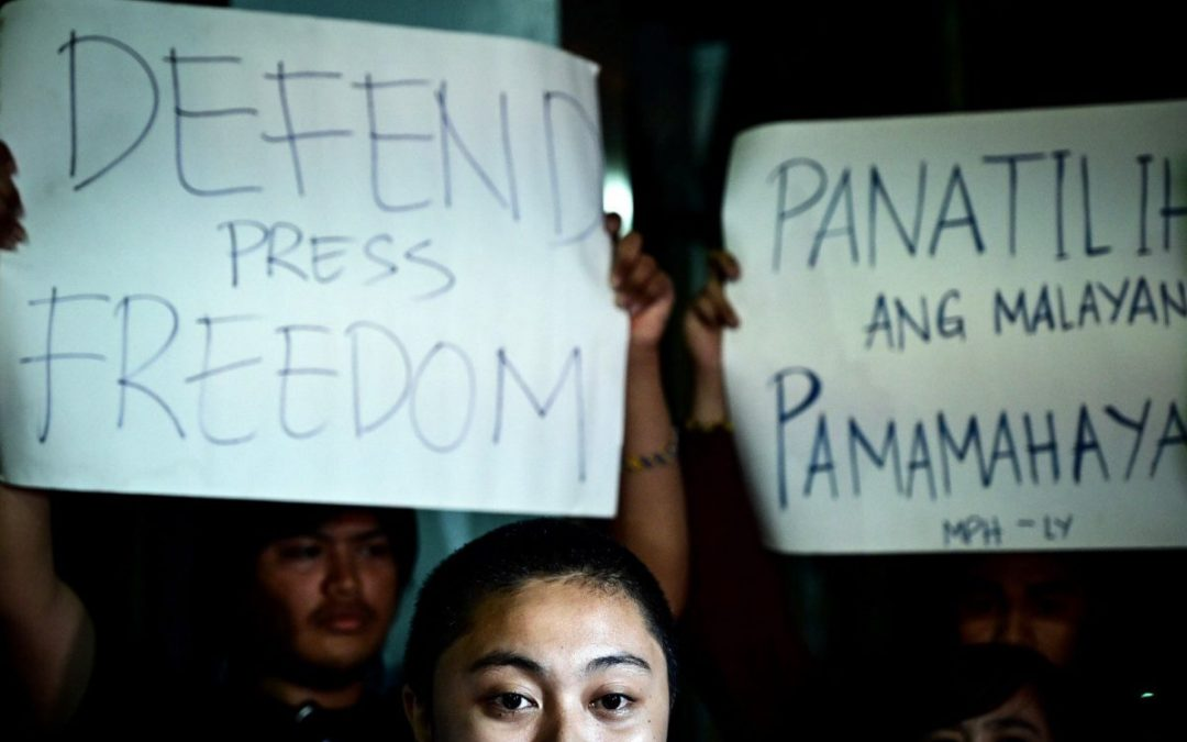 Filipino journalists risk life and freedom to expose truth