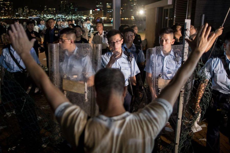 Hong Kong: Will the Chinese army intervene?
