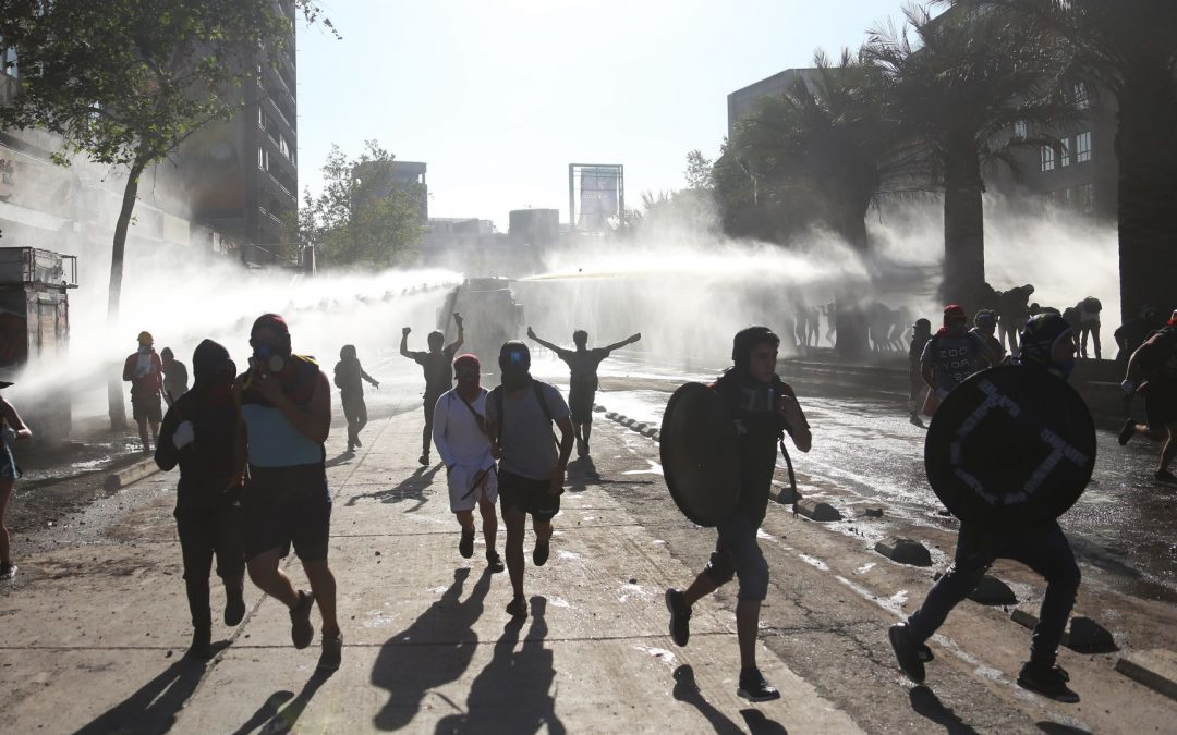 Police clampdown on protests fans tensions in Chile